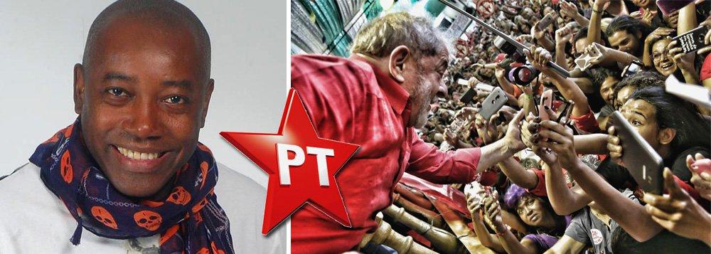 Além de Tássia Camargo e Fábio Assunção, o ator Nando Cunha também se filiou ao PT no último sábado, quando o ex-presidente Lula discursou na quadra da Império Serrano; PT teve mais de 3 mil novas filiações desde a condenação de Lula e militantes têm dito que se trata de um ato de resistência contra a politização do Poder Judiciário