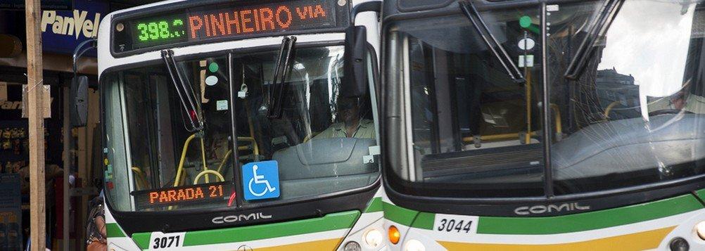 2014.01.20 - Porto Alegre/RS/Brasil - Ônibus do eixo Sul/Sudeste na avenida Salgado Filho. Foto: