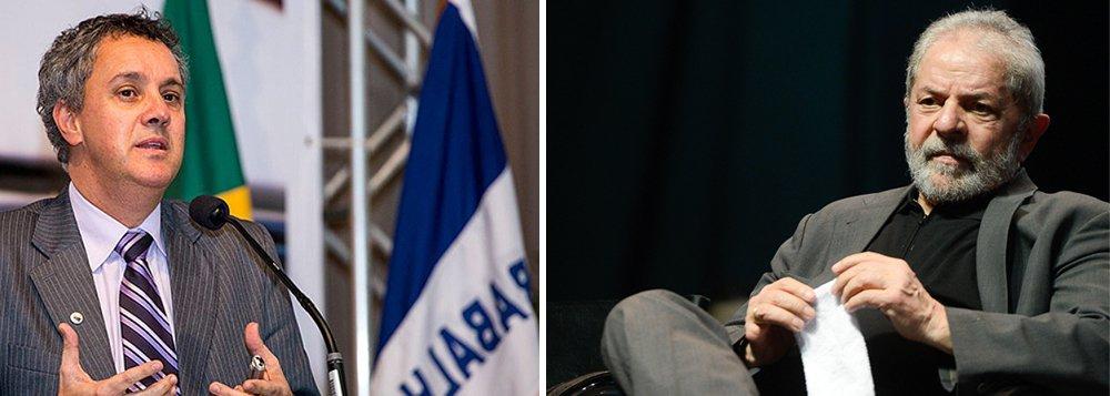 """Em apenas sete horas, o relator do processo do triplex do Guarujá, o desembargador João Pedro Gebran Neto, deu um despacho sobre o caso; """"A sentença do juiz Sérgio Moro no caso do triplex foi exarada em 12 de julho passado. No dia 31 de julho, dentro do prazo, a defesa de Lula informou que apelaria da sentença. O processo foi remetido então para o TRF4. Chegou ontem às 11:04. Às 17:45 houve a remessa interna para o relator. Às 18 horas, o relator Gebran processou o despacho para intimar a defesa para apresentar as razões recursais. O prazo de 7 horas é o menor já registrado no TRF4 dentre todos os prazos de processos analisados"""", relata o jornalista Luis Nassif, para quem a rapidez já demonstra a parcialidade do órgão"""