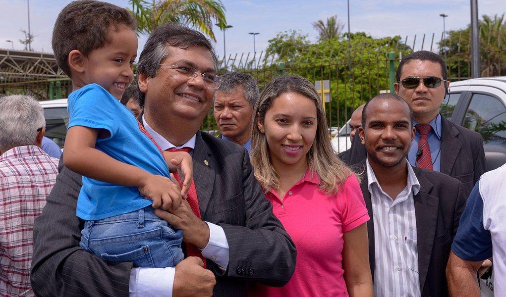 A pesquisa feita pelo Instituto Exata sobre a administração do governador Flávio Dino (PCdoB) atingiu, em Caxias, 63% de aprovação; 40% classificaram Flávio Dino como um governador regular; 30% bom; 11% escolheram a opção ruim; 9% péssimo e 3% não responderam; levantamento foi feito entre os dias 19 e 20 de setembro, ouviu 500 eleitores, a margem de erro é de 3,5% para mais ou para menos