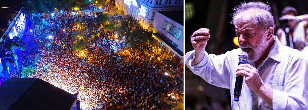 """No ato encerramento da caravana que rodou todos os estados do Nordeste, o ex-presidente Lula falou nesta terça-feira, 5, para uma multidão em São Luís; Lula voltou a dizer que os brasileiros mantenham a esperança no País e mandou recado a quem tenta destruir o seu legado; """"Se eles pensam que é só tirar o Lula da jogada e está tudo certo, eles estão muito enganados. Já existem milhões que pensam como Lula"""", disse; """"Eles têm de saber que o Lula hoje representa uma ideia: a ideia de que o povo pode,que o povo quer viver bem"""""""