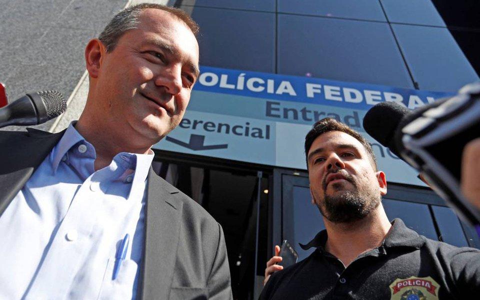 """Jornalista Luís Nassif diz, no Jornal GGN, que """"uma das formas mais ostensivas de fakenews são as falsas ênfases. Ou seja, uma ênfase desmedida a fatos irrelevantes, visando esquentar a matéria""""; segundo ele, """"o próprio MPF sentiu na pele o resultado dessa completa subversão no sistema de informações, quando, no caso da JBS, apareceu o nome do procurador Marcelo Miller""""; """"Em princípio, não havia nada que o comprometesse, mas informações de tratativas de contratá-lo e de conselhos que ele passou aos Batista"""""""