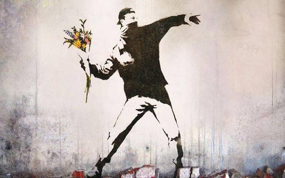 """Ao longo do século 20 – sobretudo a partir da segunda metade – o conceito de """"Revolução"""" foi perdendo o seu glamour. Aquilo que até então mobilizara multidões e acelerara milhares de corações numa ânsia avassaladora por transformação social se tornara teoria científica, programa partidário e procedimento burocrático (como no caso da URSS, com a estatização da """"Revolução"""")"""