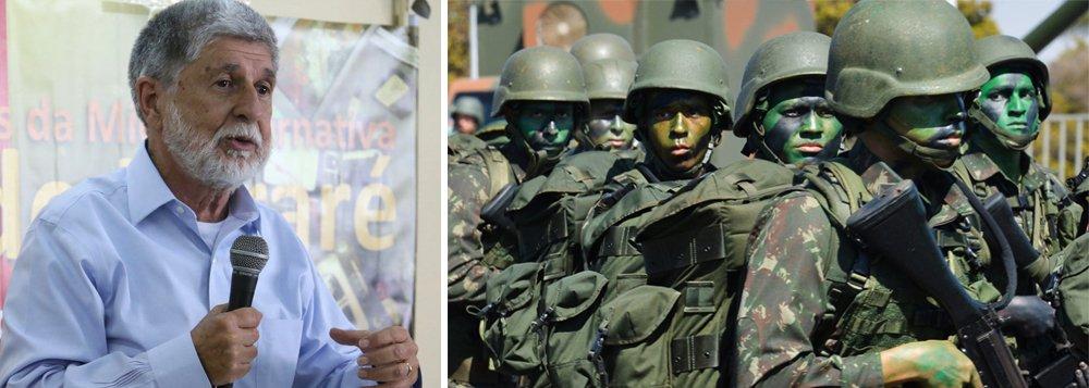"""Ex-ministro da Defesa no governo Lula, o chanceler Celso Amorim considera """"muito grave"""" a posição de generais sobre intervenção militar;""""Vemos militares dando opinião favorável às privatizações no Brasil. Isso é surpreendente"""", disse, em entrevista ao portal Brasil de Fato"""