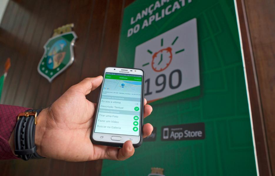 Lançado há uma semana pelo Governo do Ceará, o aplicativo 190, que possibilita registrar ocorrências pelo telefone, já contabiliza mais de 10,8 mil downloads. Até esta quinta-feira (5), o APP 190 permitiu que a Coordenadoria Integrada de Operações de Segurança atendesse mais de 150 ocorrências