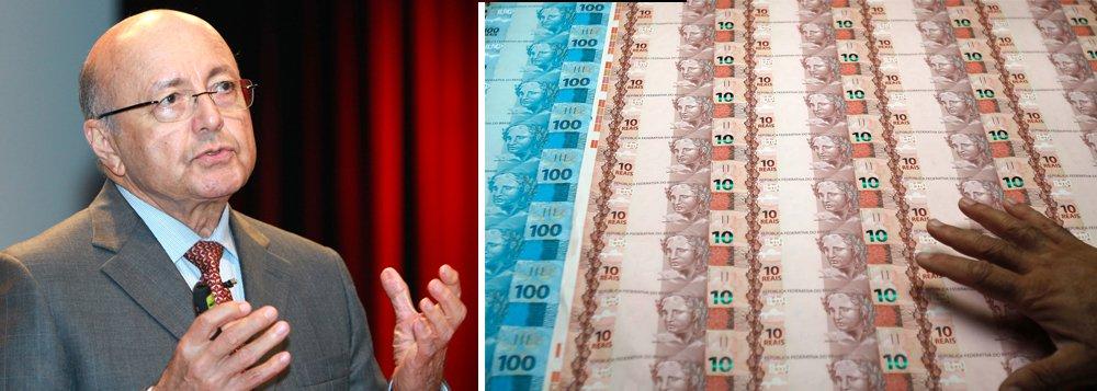 """""""Esse é o número que a mídia usa como 'rombo' fiscal do governo, mas a situação é pior. O 'rombo' chegará a cerca de R$ 600 bilhões, que é o déficit nominal"""", afirma o ex-ministro da Fazenda em artigo; segundo ele, """"sem mudar a situação fiscal, o país não tem futuro"""""""