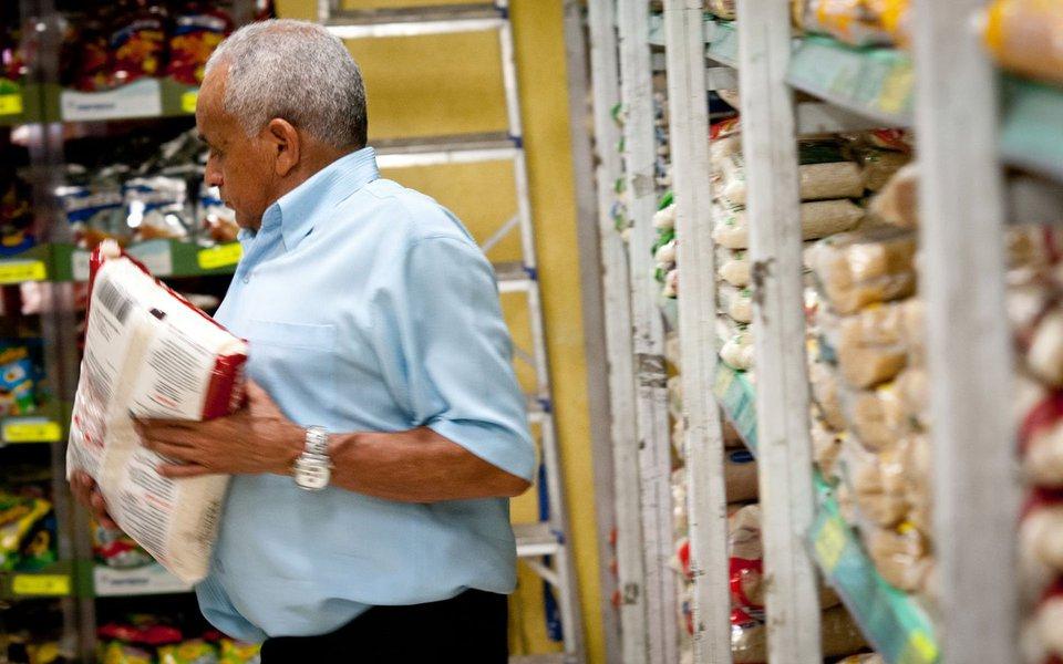 Índice de Preços ao Consumidor da Terceira Idade (IPC-3i), que mede a variação da cesta de consumo de famílias majoritariamente compostas por indivíduos com mais de 60 anos de idade, registrou no terceiro trimestre de 2017 , variação de 0,68%; em 12 meses, o IPC-3i acumula alta de 3,53%