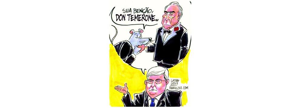 Na charge de Latuff, Michel Temer, denunciado como chefe do quadrilhão, é Dom Temerone