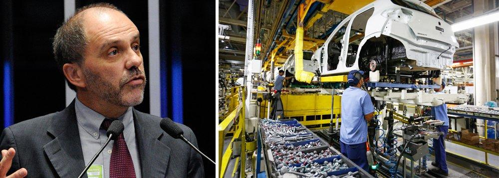"""Para o diretor técnico do Dieese, Clemente Ganz Lúcio, há um processo de desmonte da indústria nacional;""""Estamos destruindo de forma sistemática a nossa estrutura produtiva industrial"""", disse Lúcio, em debate na sede do Dieese, nesta terça-feira (15), em São Paulo"""