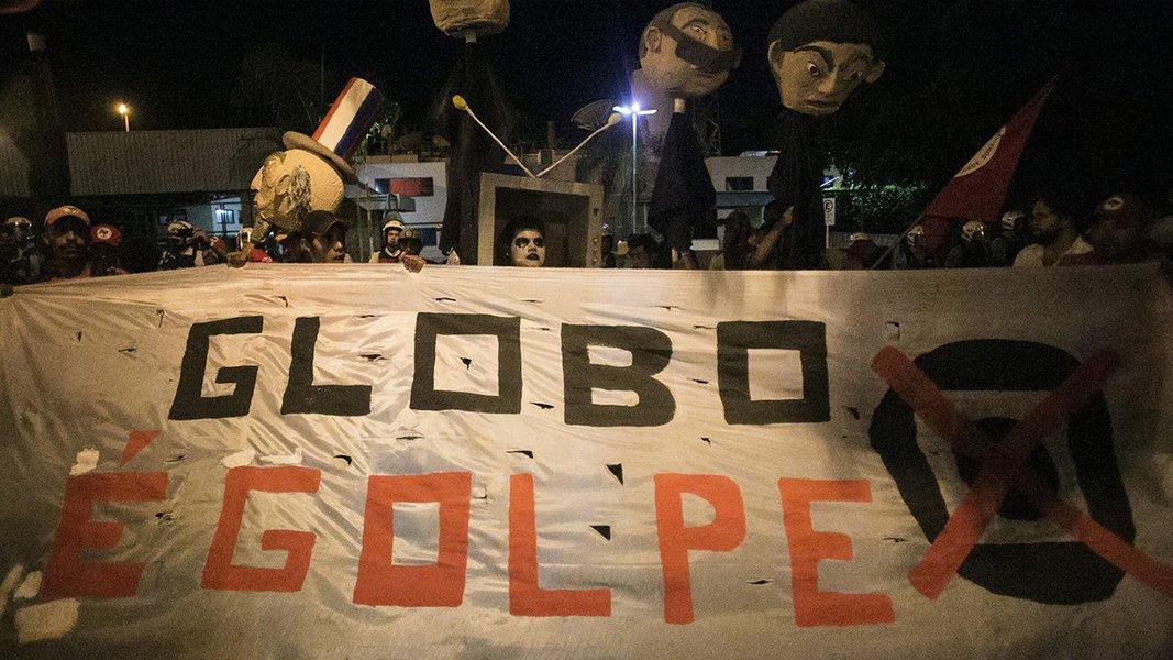 """Com dois golpes no currículo, o de 1964 e o de 2016, e em campanha para eliminar das eleições de 2018 o líder nas pesquisas, a Globo publica editorial neste domingo chamado """"A necessária defesa da democracia"""""""