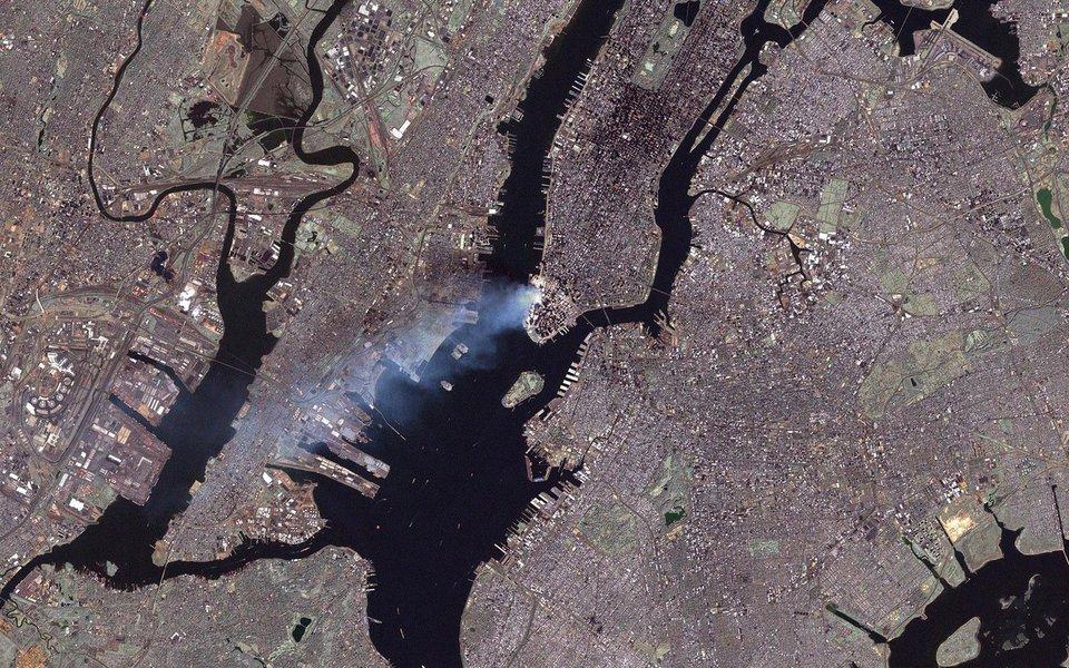 A agência espacial revelou fotografias captadas a partir do espaço mostrando Nova York no dia da tragédia de 11 de setembro de 2001