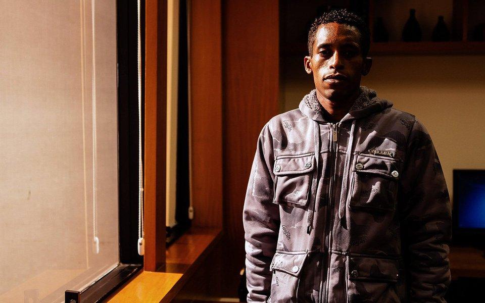 O jovem negro, encarcerado desde o ano passado, teve seu pedido de habeas corpus analisado nesta terça-feira (1) e dois desembargadores, incluindo a relatora, votaram pela manutenção de sua prisão, baseada apenas no depoimento de policiais. Decisão final ficou para a próxima terça-feira (8)