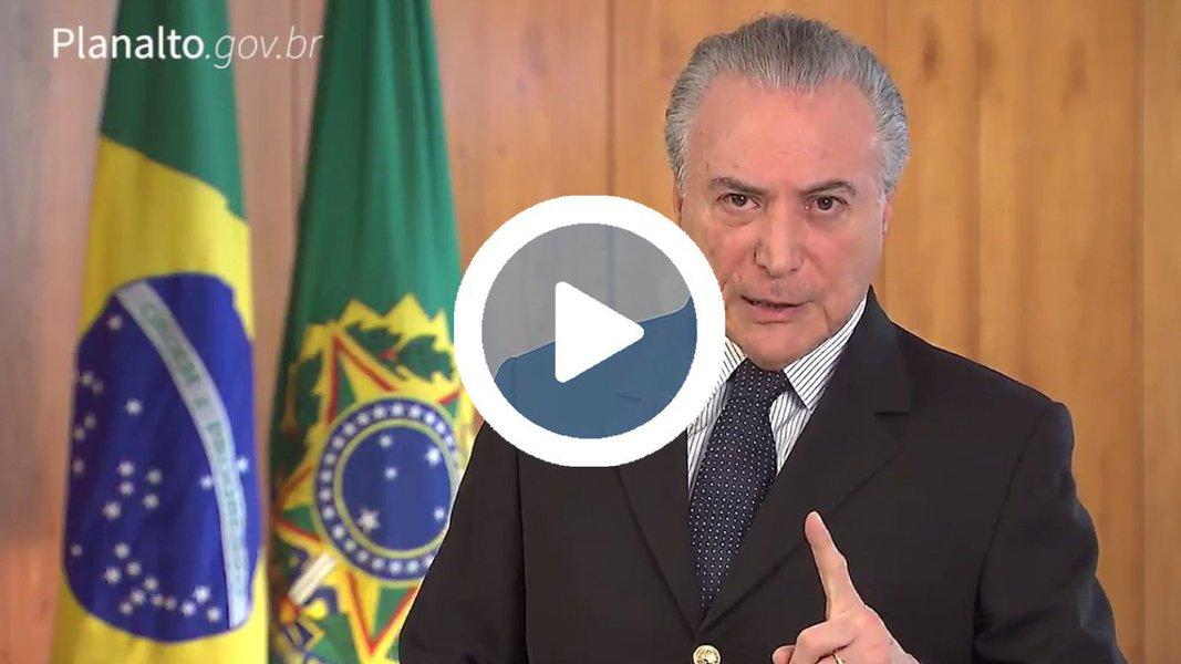 """Em vídeo, Michel Temer disse que os leilões da Eletrobras, Casa da Moeda, aeroportos, entre outras estatais, """"ajudarão a deixar o Brasil mais moderno e nos ajudarão a eliminar de vez a crise que tanto nos prejudicou nos últimos anos""""; sem modéstia, ele também diz que a medida é """"corajosa"""""""