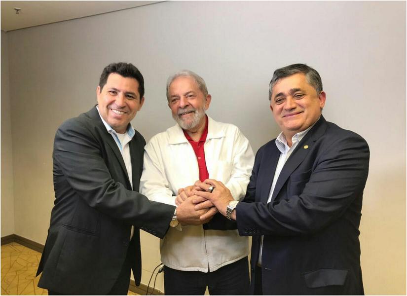 O presidente estadual do PT, Francisco de Assis Diniz, confirmou que a passagem do ex-presidente Lula pelo Ceará será nos dias 29 e 30 de agosto. O líder petista participará de atividades em Quixadá, no Sertão Central, em na região do Crajubar