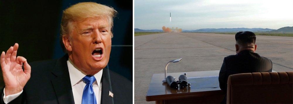 """Presidente dos Estados Unidos, Donald Trump, afirmou que o país está """"totalmente preparado"""" para tomar medidas militares contra a Coreia do Norte, caso a situação entre Washington e Pyongyang se deteriore ainda mais; """"Estamos totalmente preparados para a segunda opção, não uma opção preferida"""", disse; """"Mas se tomarmos essa opção, será devastador, posso dizer-lhe isso, devastador para a Coreia do Norte. Isto é chamado de opção militar. Se tivermos que fazer isso, nós faremos"""", completou"""
