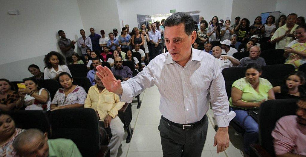 """Governador de Goiás avalia que seu partido, o PSDB, precisa """"fazer uma autocrítica"""" e um debate interno sobre os rumos do programa do partido em meio às discussões sobre a aliança e a escolha do presidenciável tucano para a disputa pela presidência da República em 2018; """"Essa autocrítica precisa ser iniciada dentro do partido, nas instâncias deliberativas, nos diretórios e em fóruns de discussão com a sociedade"""", disse Marconi"""