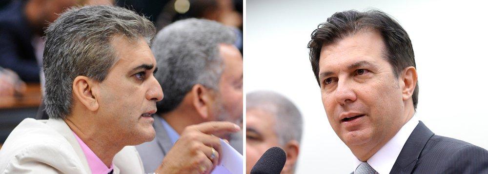 """O deputado federal baiano Robinson Almeida (PT) rebateu o relator da reforma da Previdência na Câmara, seu conterrâneo, Arthur Maia (PPS-BA), que chamou de """"infiéis"""" parlamentares que querem votar matéria após eleições; """"Arthur Maia, sim, é infiel ao direito do povo se aposentar"""", diz o petista; para Robinson, """"Maia é fiel à Previdência privada, financiadora de sua campanha e maior interessada nessa maldita reforma"""""""