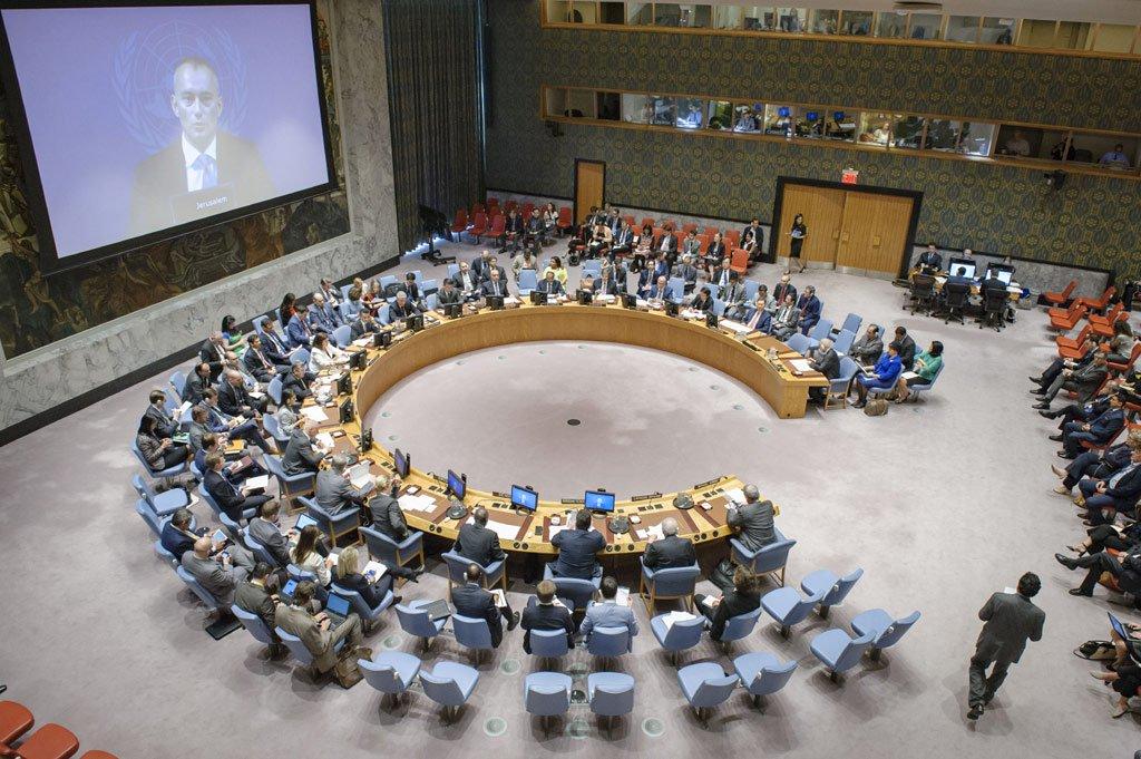 """O coordenador especial da ONU para o Processo de Paz no Oriente Médio, Nickolay Mladenov, apelou aos líderes palestinos e israelenses a retornarem às negociações sobre a chamada solução de dois Estados; """"É melhor evitar um conflito que ninguém quer, antes que seja muito tarde"""", disse o enviado especial da ONU"""