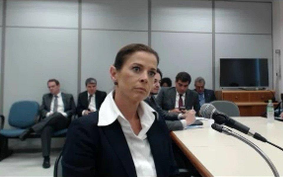 Na apelação que fez ao Tribunal Regional Federal da 4ª Região (TRF4) para pedir a condenação de Cláudia Cruz, mulher do ex-deputado Eduardo Cunha (PMDB-RJ), o Ministério Público Federal (MPF) utilizou elementos que constam da delação premiada de executivos do grupo JBS. O MPF cita e-mails onde ela menciona o nome de Altair Alves Pinto, sendo que em boa parte deles a menção vem acompanhada de valores; em delações premiadas, executivos da JBS relataram pagamentos mensais a Cunha como uma forma de comprar o silêncio do ex-parlamentar no âmbito da Lava Jato após sua prisão
