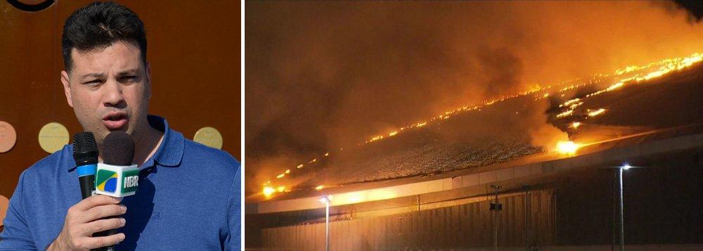 A indicação sobre o que causou o incêndio que atingiu o velódromo do Parque Olímpico do Rio, na Barra da Tijuca, partiu de nota divulgada pelo ministro dos Esportes, Leonardo Picciani; no seu perfil do Facebook, o ministro do Esporte, Leonardo Picciani, lamentou o incêndio e apontou que o fogo pode ter sido causado por um balão que caiu no local; perícia sobre a causa do incêndio ficará a cargo do Instituto Carlos Éboli, da Polícia Civil