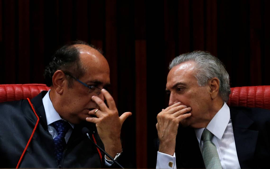 Ministro do Supremo Tribunal Federal (STF) e presidente do Tribunal Superior Eleitoral (TSE), Gilmar Mendes, e Michel Temer