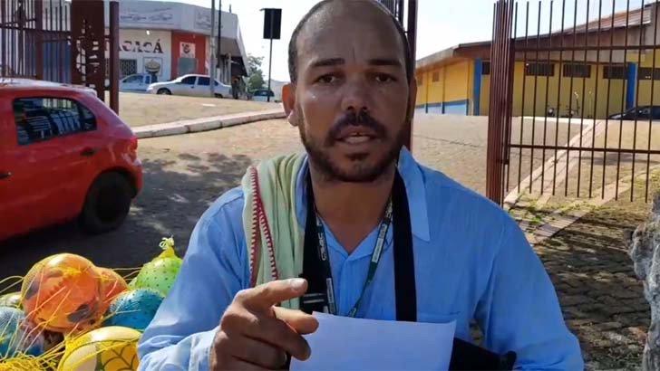 Aconteceu em Porto Velho, capital de Rondônia, administrada pelo tucano Hildon Chaves, que se elegeu com mais de 65% dos votos. Um vídeo mostra a ação truculenta de fiscais da prefeitura para remover o ambulante Eduardo Jesus de Oliveira que se preparava para vender pequenos brinquedos infláveis