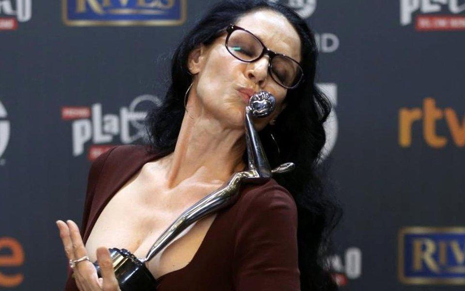 """""""Aquarius é o filme mais importante que já fiz"""", disse a atriz neste sábado 22, em Madri, na Espanha, na quarta edição do prêmio Platino do Cinema Ibero-americano; Sonia Braga foi marcante na resistência ao golpe contra Dilma Rousseff, assim como o elenco do filme, que protestou contra Temer e o golpe no tapete vermelho em Cannes"""
