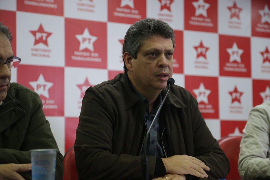 Segundo o vice-presidente nacional do Partido dos Trabalhadores, Márcio Macêdo (PT-SE), o bloqueio dos bens do ex-presidente Lula é um ato de vingança; de acordo com o dirigente petista, essa é uma forma do juiz federal Sérgio Moro esconder as contradições do processo