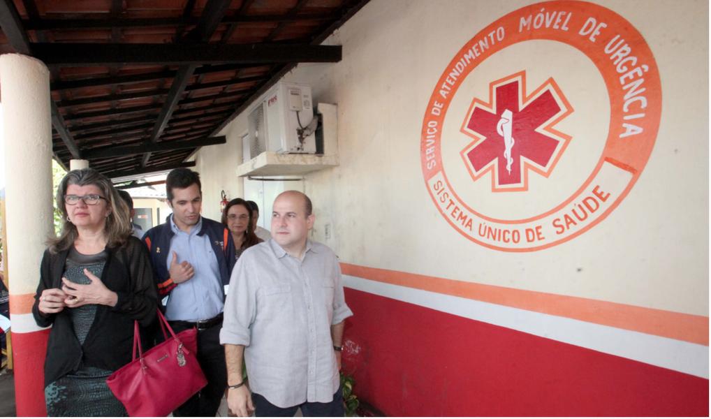 O prefeito Roberto Cláudio (PDT) realizou a entrega da terceira ambulância locada para complementar a rede Samu Fortaleza, na manhã desta terça-feira (20). Na ocasião, o chefe do Executivo Municipal anunciou melhorias para o serviço, como a disponibilização de novas ambulâncias e melhorias infraestruturais nos Centros de Serviço Remotos espalhados pela Cidade