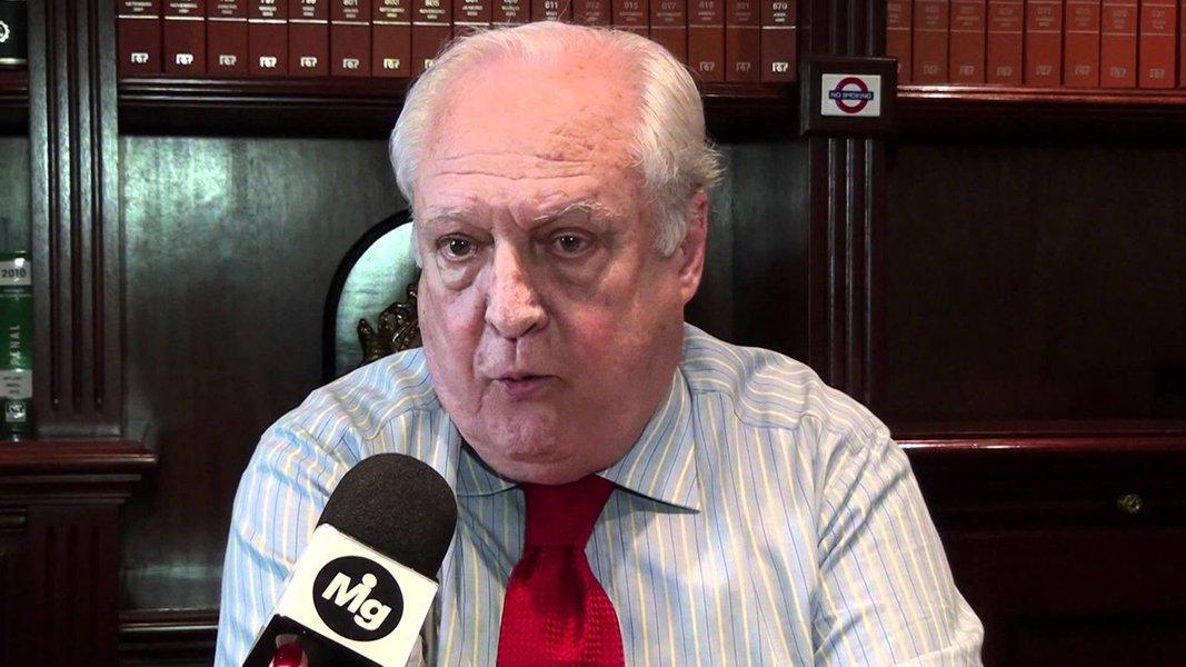 """Criminalista que assinou pedido de impeachment do ex-presidente Fernando Collor de Mello, René Ariel Dotticritica """"juízes midiáticos"""" e diz que descrença na política pode levar à ascensão de radicais como Jair Bolsonaro; segundo Dotti, as delações constituem """"vantagens para delinquentes"""" e que Fachin e Janot atropelaram o processo penal. O advogado também criticou a divulgação de conversas privadas entre o jornalista Reinaldo Azevedo e Andrea Neves, irmã do senador tucano Aécio Neves: """"É um abuso material e moral"""""""