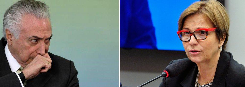 """""""Michel Temer não se cansa em se apresentar como o presidente da República mais desprezível do país. Ele sai atrás de votos sem nenhum pudor, pensando que ninguém está vendo além de Rodrigo Janot"""", diz o colunista do 247 Alex Solnik sobre a investida do peemedebista sobre deputados do PSB, partido que fechou questão contra ele na votação de seu afastamento; """"Temer rompe o julgamento que fez ao assumir o cargo e é o primeiro a jogar a constituição no lixo. Não respeita a decisão do PSB. Vai atrás de uma deputada e a alicia, propondo que mude para o seu partido, onde poderá votar nele, sabe-se lá a troco de que favores"""", diz Solnik; """"Nunca se viu um presidente que insultasse tanto a cadeira onde sentaram tantos e ainda vão sentar tantos outros brasileiros e brasileiras ilustres"""""""