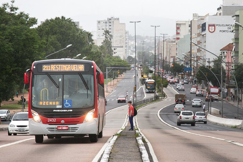 03/03/2016 - PORTO ALEGRE, RS - Transporte Público, coletivo, ônibus, nova tarifa, 3,75. Foto: Guilherme Santos/Sul21