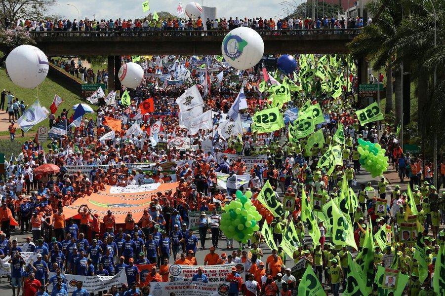 """Para Adilson Araújo, presidente da CTB, centrais sindicais saem fortalecidas e preparadas para organizar uma greve geral """"com mais musculatura"""""""