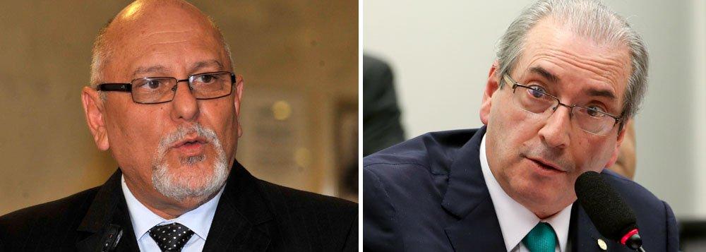 O ex-presidente da Caixa Econômica FederalJorge Hereda disse ontem que sofreu pressões do ex-deputado Eduardo Cunha (PMDB-RJ) para que fossem acelerados os processos de financiamento do banco para algumas empresas; as chantagens, segundo Hereda, ocorreram em 2014, quando Cunha ainda era líder do PMDB na Câmara