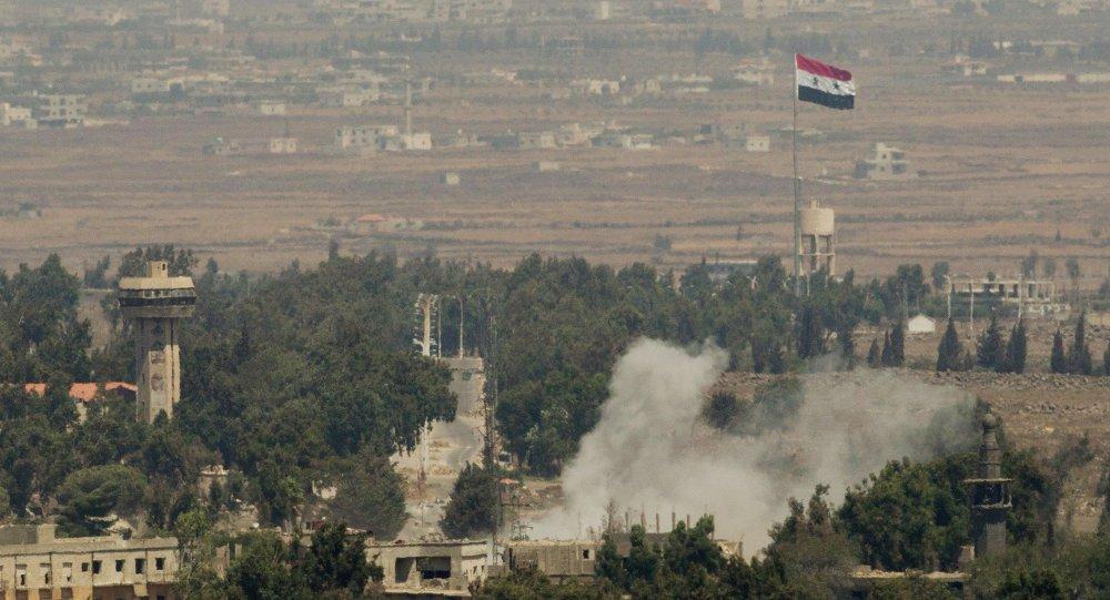 """A aviação israelense lançou um ataque com mísseis contra as posições do exército sírio na província de Quneitra, na fronteira com as Colinas de Golã controladas pelos israelenses, informou uma fonte militar síria à Sputnik; """"Aviões de guerra inimigos de Israel lançaram dois mísseis do território ocupado às 18:45 (hora local) em uma das posições do nosso exército, causando danos materiais"""", disse a fonte; ataque foi realizado quando o exército sírio estava repelindo o avanço terrorista em Quneitra"""