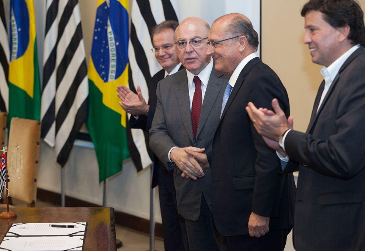 Secretário de Agricultura de São Paulo, Arnaldo Jardim (PPS), e governador Geraldo Alckmin (PSDB)
