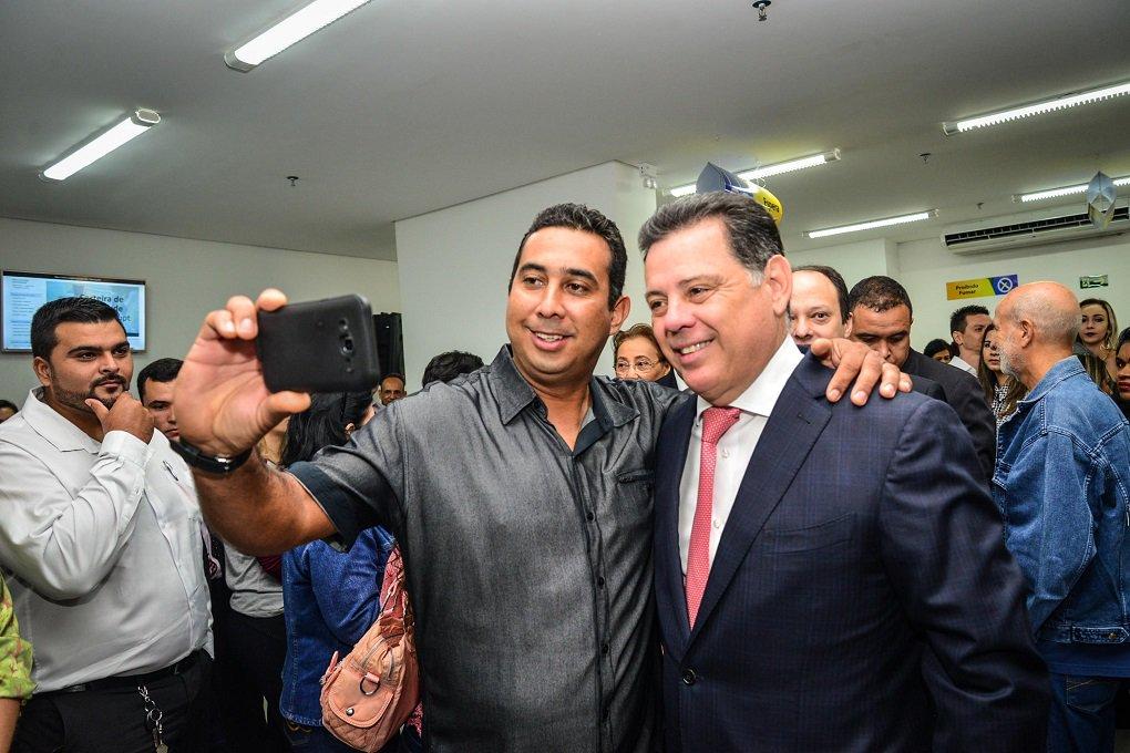 """Ao comentar as contas públicas no Estado, o governador de Goiás, Marconi Perillo, que """"o Brasil de Goiás não é o mesmo Brasil que passa na televisão, cheio de problemas, escândalos e frustrações"""";""""Goiás é o Estado de gente que trabalha, de empresários que produzem riquezas e de um governo que trabalha e supera a crise"""", disse Perillo, durante evento Damianópolis, Nordeste do estado; dados do Caged, divulgados pelo Ministério do Trabalho, apontam que Goiás foi o terceiro estado do País no saldo da geração de empregos em junho, com 4.795"""