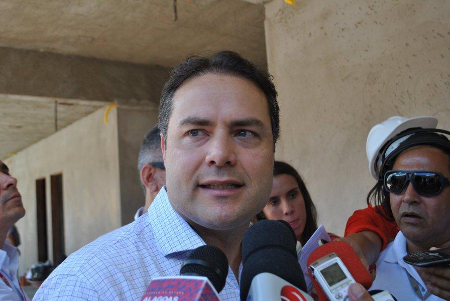 Pesquisa realizada pelo Instituto Falpe para governador, senador, deputado estadual e federal, entre os dias 17 e 21 de julho, em Major Izidoro, ouviu 3 mil pessoas; em todos os cenários, o governador Renan Filho (PDB) lidera o levantamento; ele aparece com 30% de intenções de votos, seguido pelo prefeito de Maceió, Rui Palmeira (PSDB), com 11%; o deputado federal JHC (SB) ficou com 5%