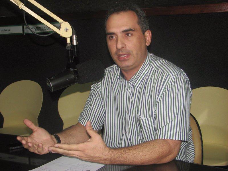 O médico cardiologista Ricardo José Araújo Silveira, filiado ao PMDB, que foi candidato derrotado à Prefeitura de Quixadá em 2016, é o novo superintendente da Fundação Nacional de Saúde, no Ceará