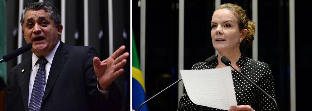 """Líder da Minoria, deputado José Guimarães (PT-CE) diz que o nome da senadora Gleisi Hoffmann (PT-PR) para presidir o PT representa uma """"revolução interna no partido""""; """"É uma voz contundente no Senado, de diálogo com nossa base social, tem legado e competência para presidir um partido e seria a primeira vez que o partido seria presidido por uma mulher"""", afirma; para ele, a candidatura de Gleisi simboliza """"esse processo de renovação que o PT está vivendo"""""""
