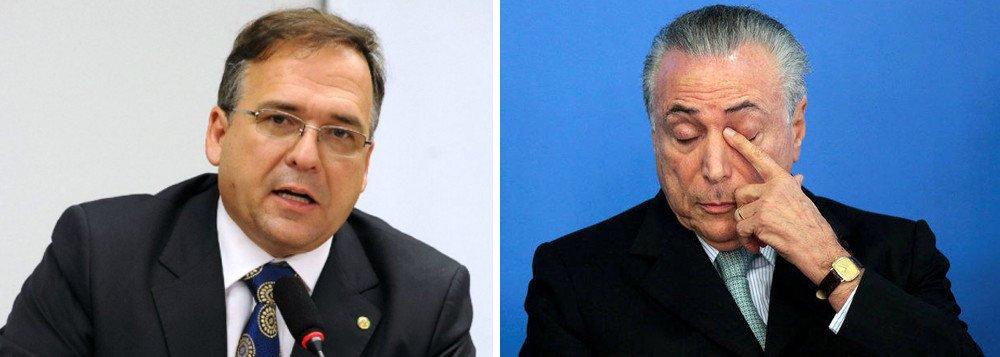 """Ex-deputado Sandro Mabel (PMDB-GO) pediu demissão na noite desta terça-feira (23) a Michel Temer; é o quarto assessor direto de Temer a deixar o governo em meio a denúncias de corrupção; além de Mabel, já saíram José Yunes, Rodrigo Rocha Loures e Tadeu Fillipelli; o Ministério Público de Goiás requisitou na semana passada a instauração de um inquérito para apurar supostos pagamentos ilícitos feitos, em 2010, por ex-executivos da construtora Odebrecht ao então deputado federal Sandro Mabel; valor seria de R$ 100 mil, pagos por meio de recursos não contabilizados, mas registrados no sistema """"Drousys"""", usado para contabilizar pagamentos em propina da empreiteira"""