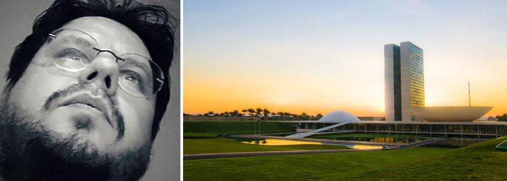"""""""Quando eu vejo políticos, que até para se vestirem usam verba pública, vendendo leis, medidas e atos para empresários enquanto revogam o pouco de segurança que os trabalhadores tinham, eu digo que vandalismo é inaceitável"""", escreve o historiador e pesquisador na Universidade de Brasília (UnB)"""