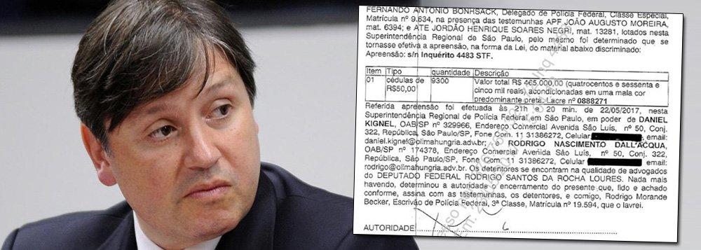 A defesa do deputado Rocha Loures devolveu a mala com propina da JBS com R$ 35 mil a menos, segundo informações da Polícia Federal; os advogados do parlamentar não se manifestaram sobre o montante a menos na mala