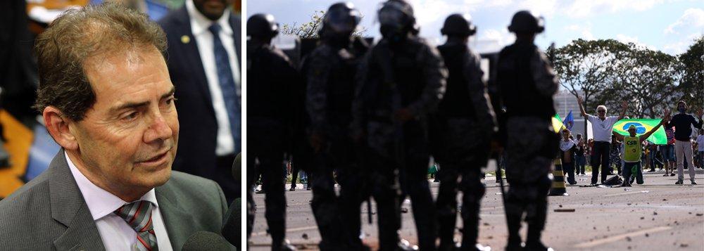 """""""A solução para a pacificação do povo brasileiro, com a consequente retomada da economia, está, outra vez, com o próprio governo e com o Congresso Nacional. Não há a mínima condição de estas reformas prosseguirem. Têm de ser retiradas e refeitas, repactuadas com toda a sociedade e, especialmente, com o movimento sindical. Não há mais como não ver esta realidade. O País precisa de uma saída constitucional e pactuada para superar este momento de profunda crise"""", diz o deputado Paulo Pereira da Silva (SD-SP), que foi um dos articuladores do golpe de 2016, mas hoje ajudou a organizar o #OcupaBrasília"""