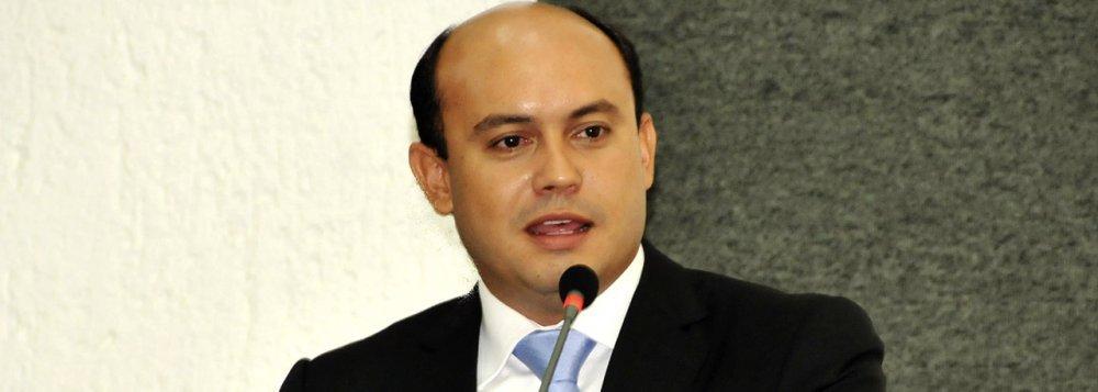 """O ex-diretor superintendente da Odebrecht Ambiental/Saneatins no Tocantins, Mário Amaro da Silveira,informou que o apelido """"Novo Canário"""" nas delações da Odebrecht foi atribuído ao ex-governador Sandoval Cardoso (SD); de acordo com a planilha da Odebrecht, ele teria recebido R$ 1 milhão no dia 3 de outubro de 2014, dois dias antes das eleições daquele ano; Amaro disse que Sandoval teria embolsado nas eleições de 2014 um total de R$ 4 milhões,sendo o que mais recebeu recursos da empreiteira, conforme o delator"""