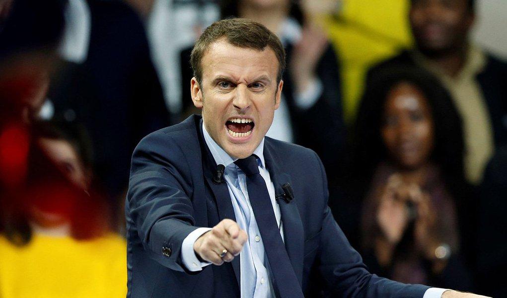 Se os eleitores são influenciados por pesquisas de opinião, sem duvida nenhuma votarão Macron, o candidato programado para se tornar presidente