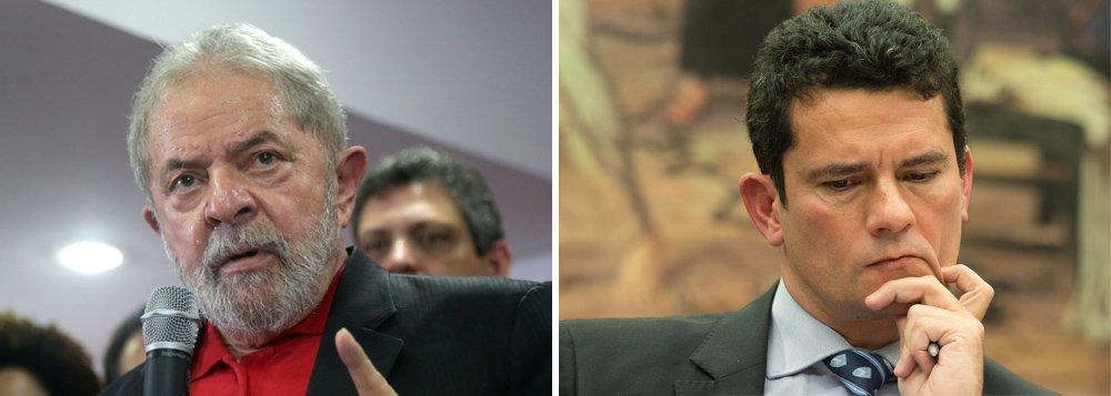 8ª Turma do TRF4 acatou nesta quarta-feira, 8, os embargos declaratórios da defesa do ex-presidente Lula e modificou a decisão da correição parcial que questionava a ordem das oitivas de testemunhas no processo envolvendo o apartamento triplex; segundo informações do TRF4-, na referida ação, ajuizada em 5 de junho, o advogado Cristiano Zanin requeria que as testemunhas de acusação fossem ouvidas antes das arroladas pela defesa; na ocasião, a defesa também pediu a suspensão da audiência que ouviria Emílio Alves Odebrecht e Alexandrino de Salles Ramos Alencar devido à juntada de mídias audiovisuais aos autos sem tempo hábil para serem analisadas pela defesa