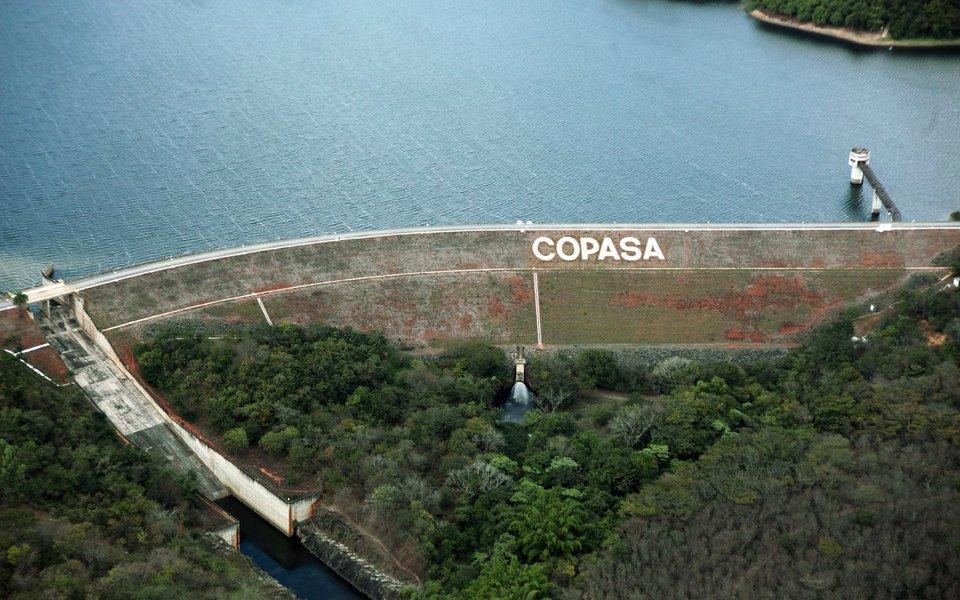 A Copasa descartou a possibilidade de racionamento de água em Belo Horizonte e região metropolitana, por causa da obra de captação do rio Paraopeba, inaugurada em dezembro de 2015; a região metropolitana teve a pior seca dos últimos 100 anos no período entre janeiro e setembro de 2017, informou a companhia
