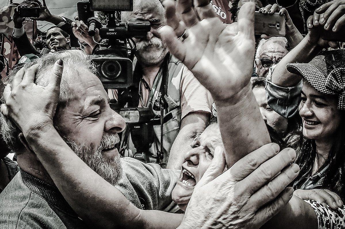São Bernardo do Campo- SP- Brasil- 02/10/2016- Ex-presidente Lula, durante votação no primeiro turno das eleições municipais 2016, na Escola João Firmino Correia de Araújo. Foto: Ricardo Stuckert/ Instituto Lula