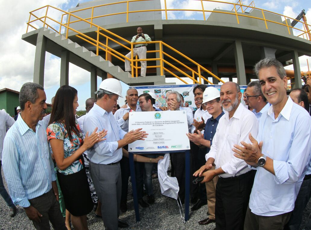"""Valor do investimento foi da ordem de R$ 49,5 milhões, no âmbito do Programa de Aceleração do Crescimento (PAC) e da Embasa, empresa vinculada a Secretaria de Infraestrutura Hídrica (Sihs), responsável pela execução da obra; Conforme destacou o governador Rui Costa, a Bahia hoje ocupa posição de destaque no Nordeste e no Brasil no que se refere a investimentos em saneamento; """"E nossa meta é fazer muito mais, recuperando o que não foi feito no passado"""""""